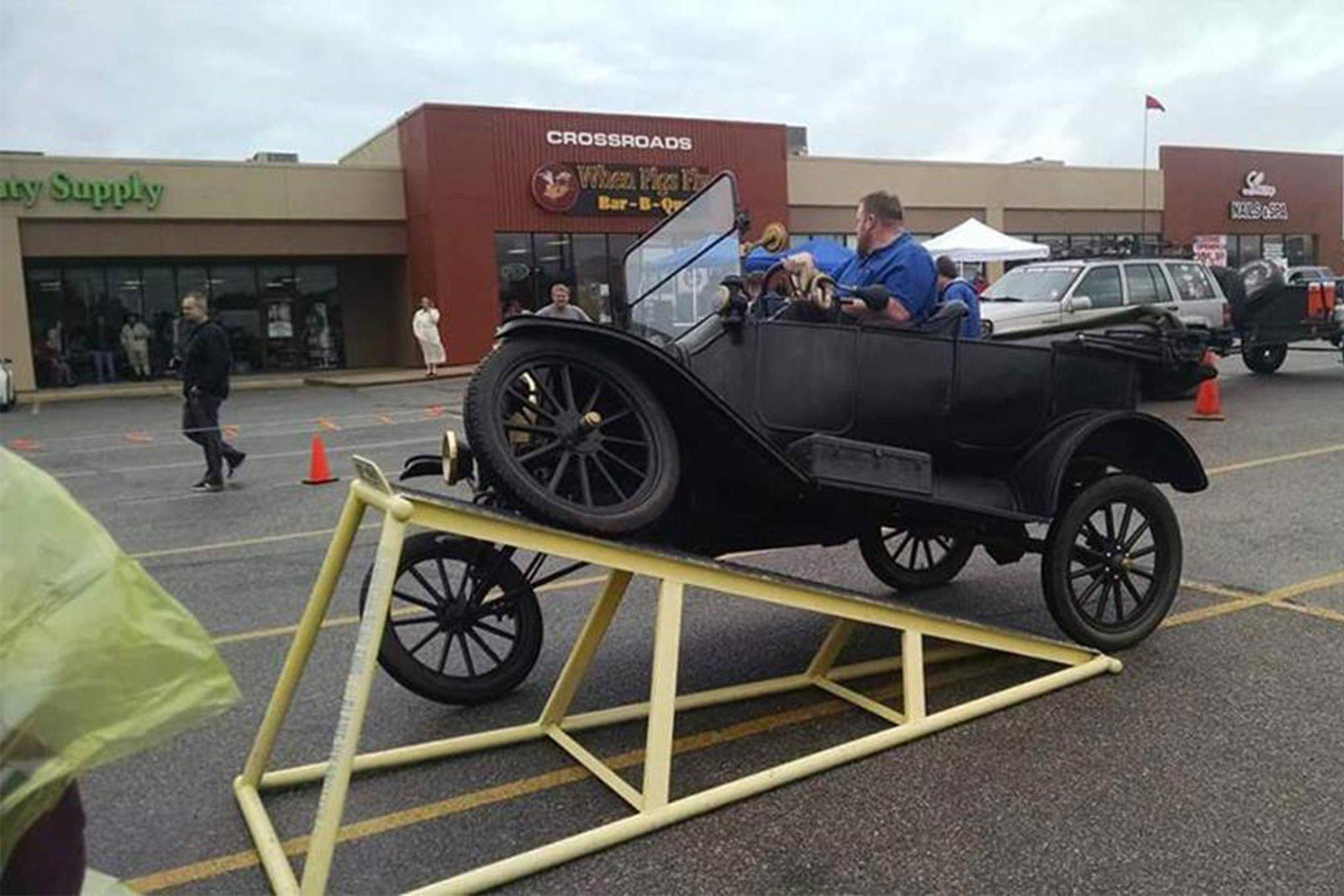 001-1916-model-t.jpg