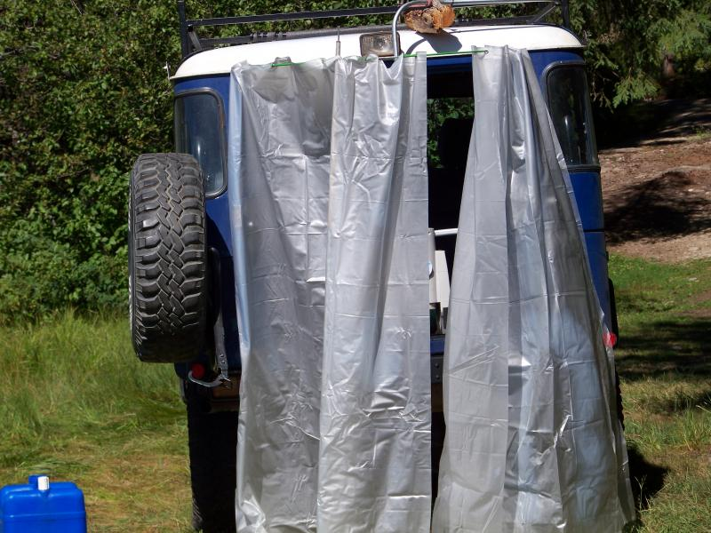 Vehicle Mounted Camp Shower Encolure