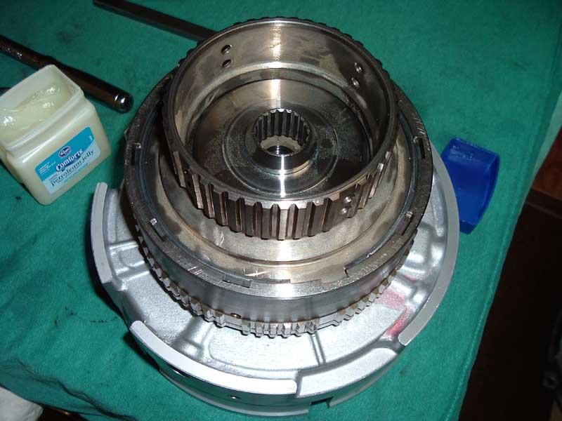 12-10-05 rebuild frt cltch4.JPG