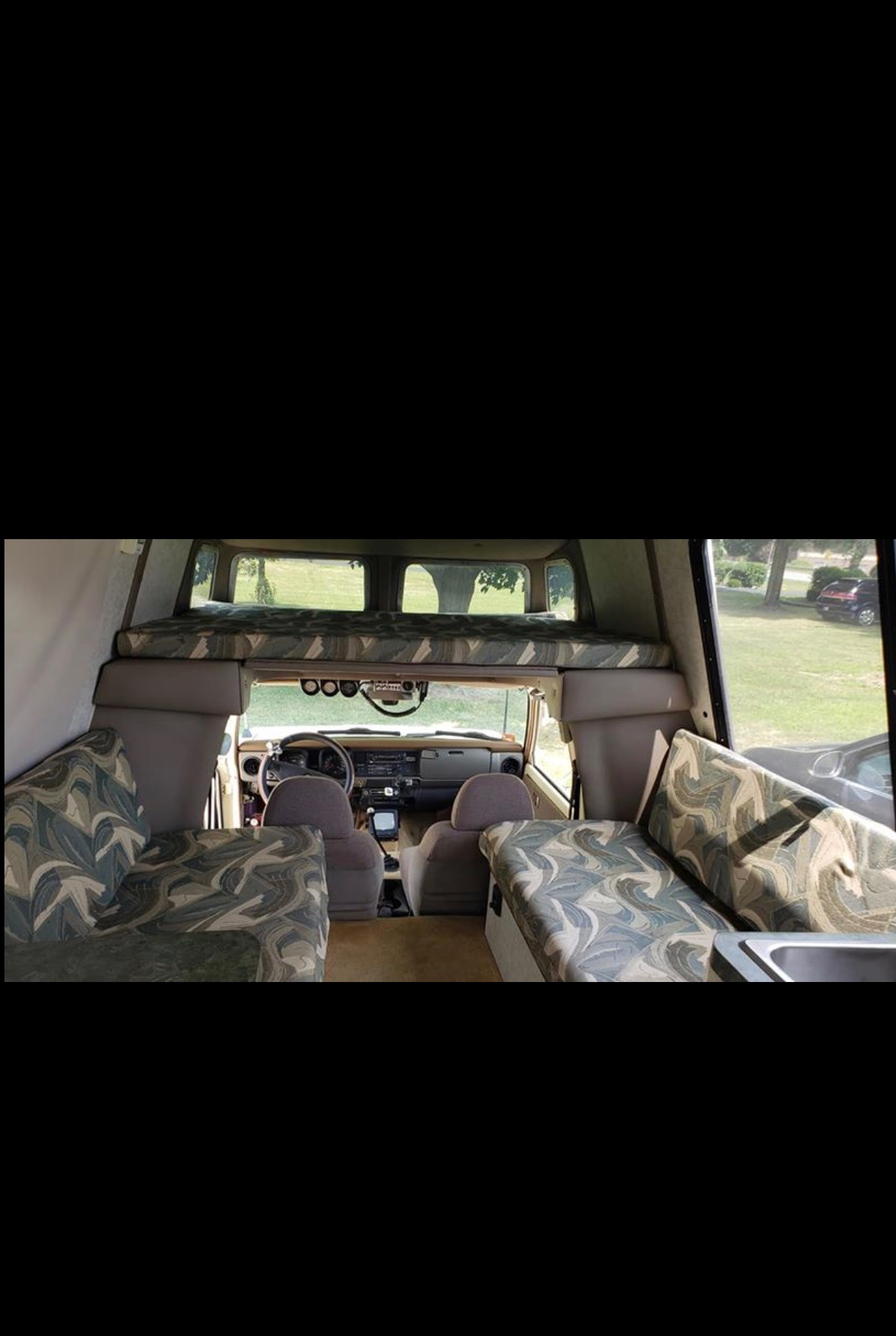 1978 Chinook Interior.JPG