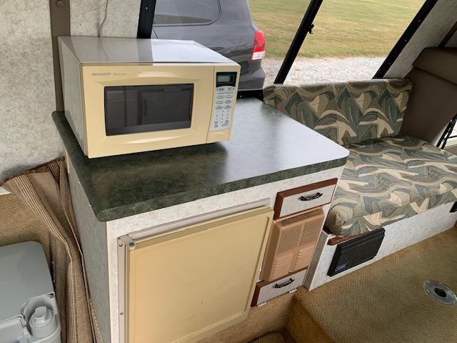 1978 Chinook microwave.jpg