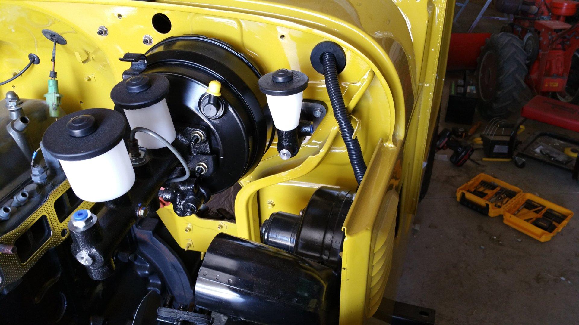1978 fj40 master cylinder.jpg