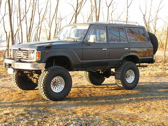 1983-BJ60-beauty-shot-angle.jpg