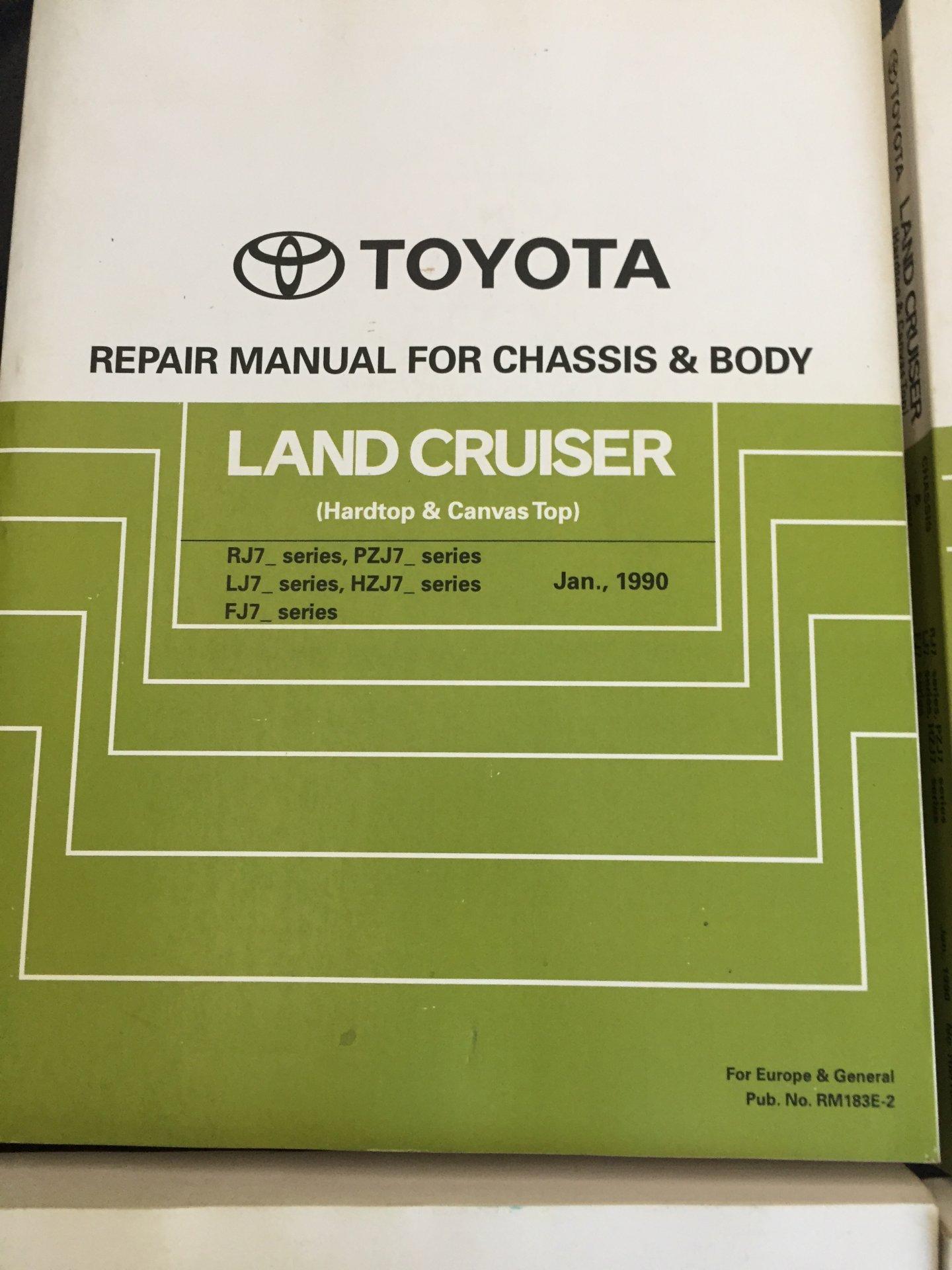 1990 Toyota manuals 001.JPG