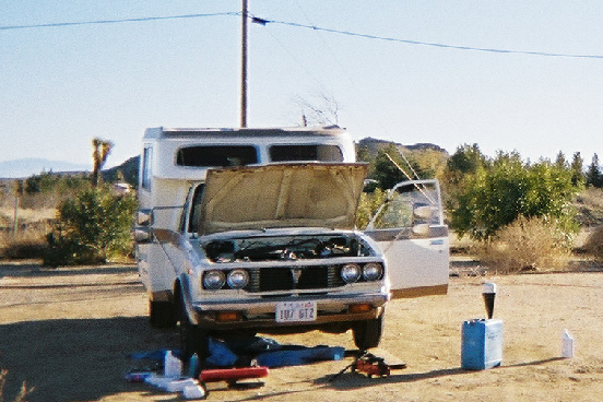 1_ First photo of Chinook in Mojave with Utah lic pl before CA reg croped JPEG.jpg