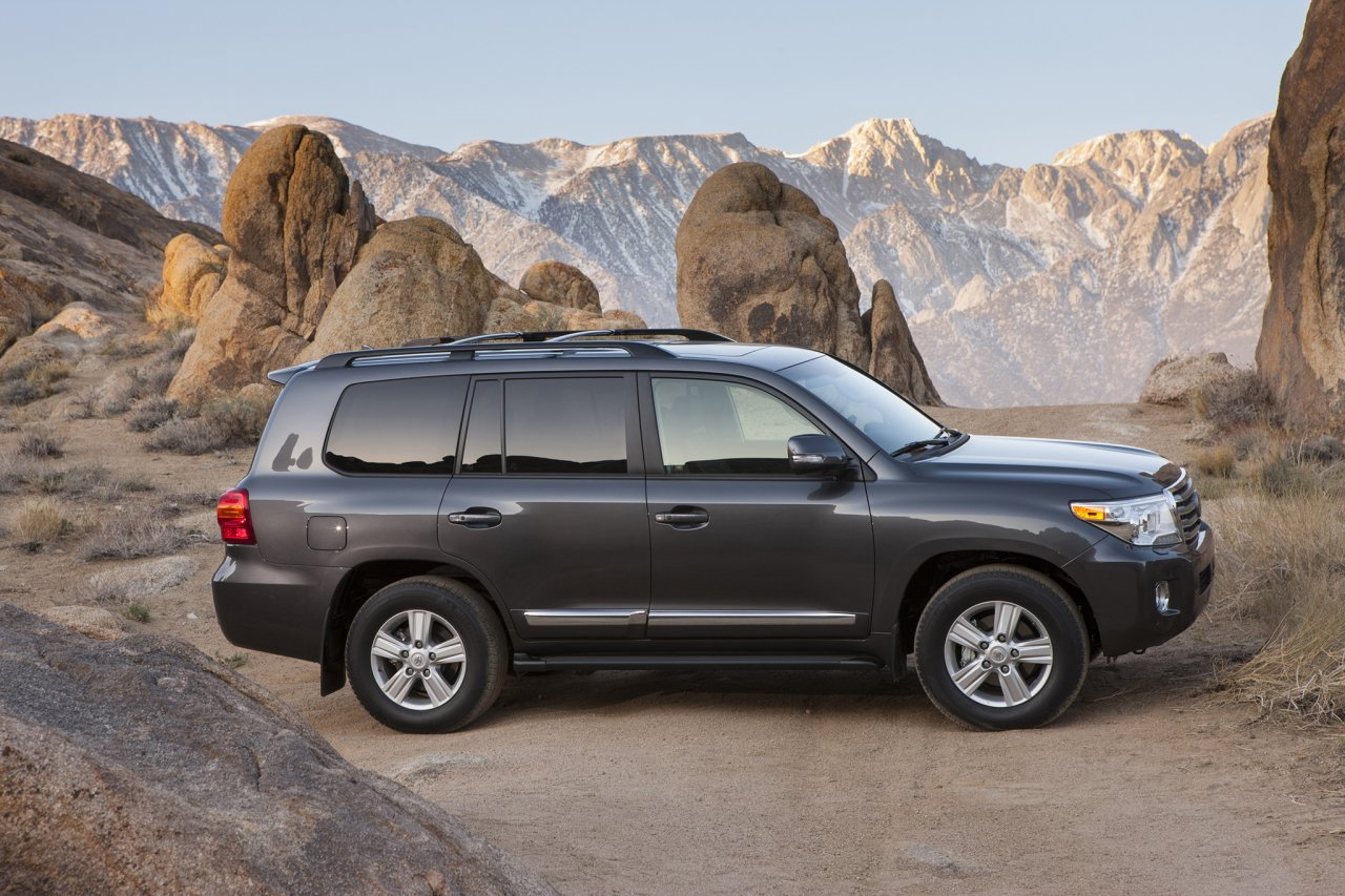 2014-toyota-land-cruiser-passenger-side.jpg