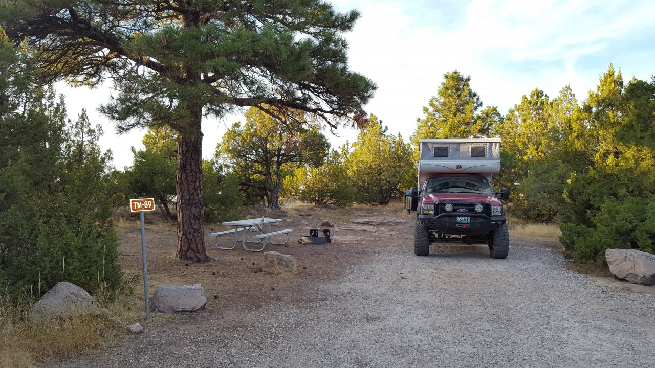 20160919_6_camp_Two Moons CG_Glendo State Park,WY.jpg