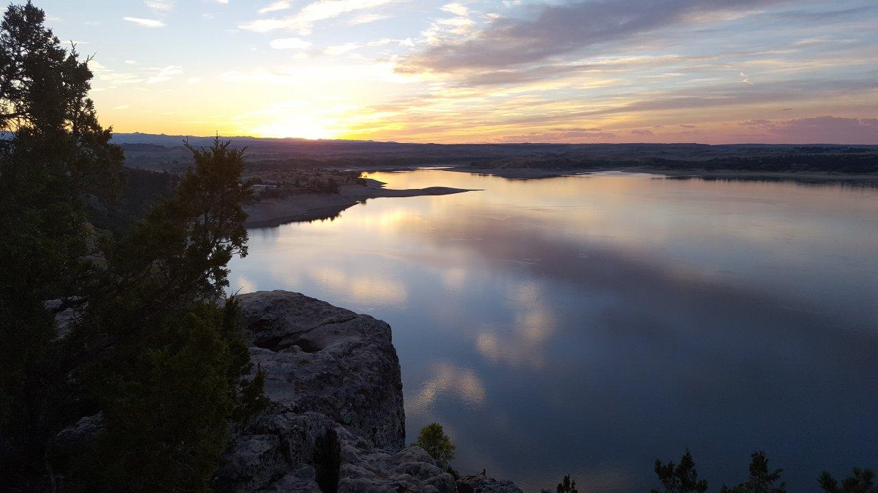 20160919_7_camp_sunset Glendo Lake.jpg