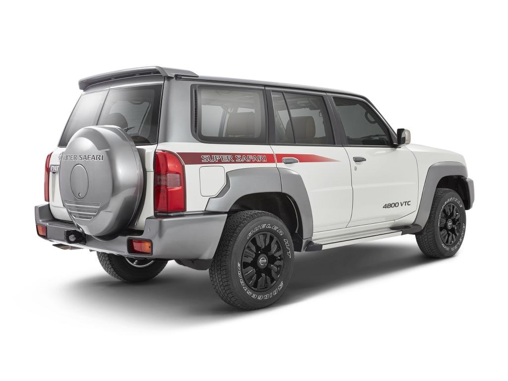 2017-Nissan-Patrol-Super-Safari-Y61-10.jpg