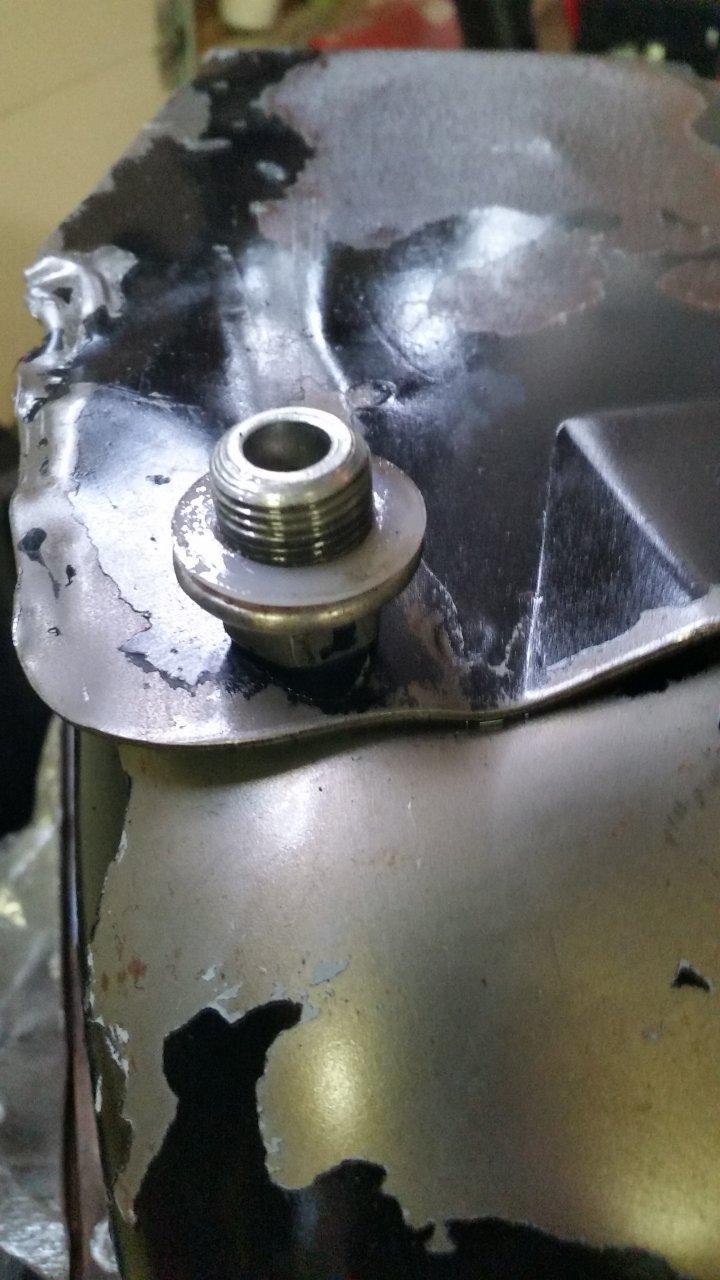 2F oil plug.jpg