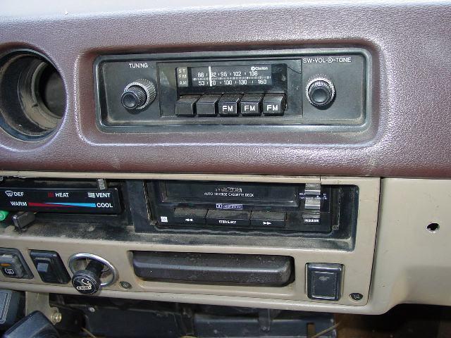 60radio2.jpg