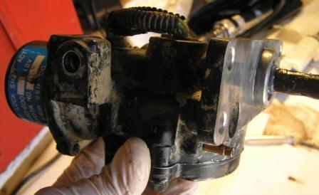 actuator gear cover install.JPG