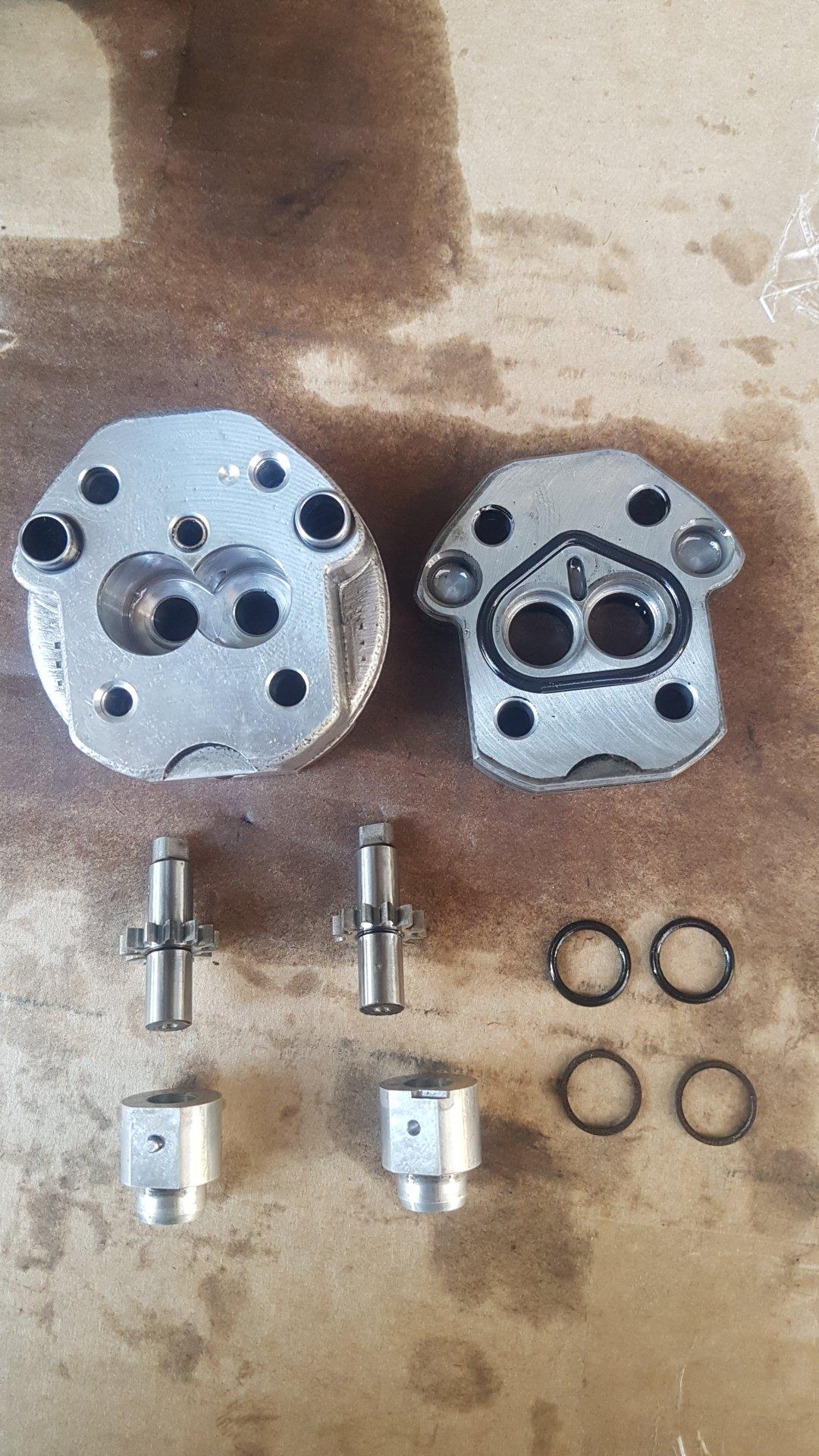 AHC Pump - Disassembled 2.jpg