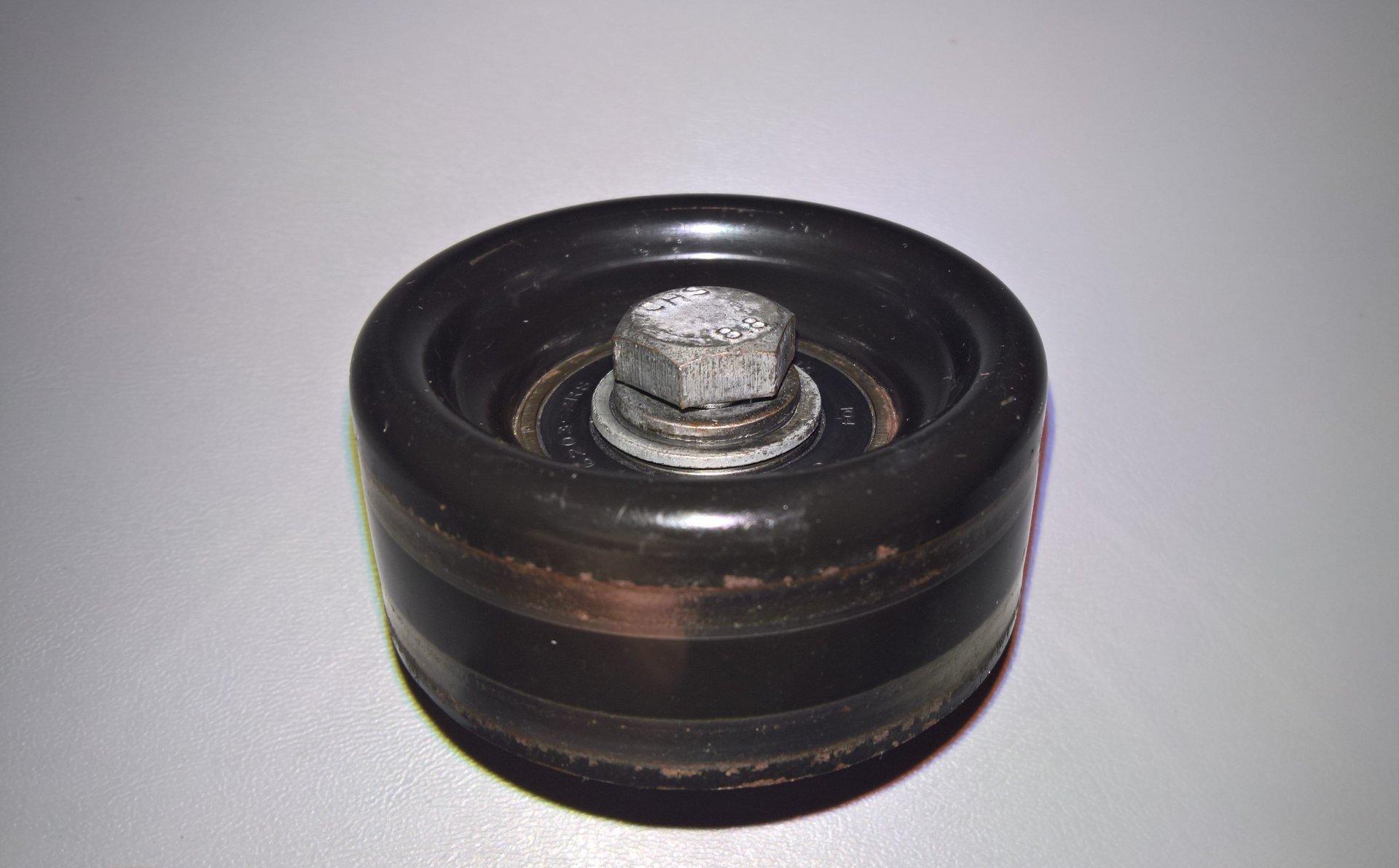 Alternator Idler pulley (2).jpg