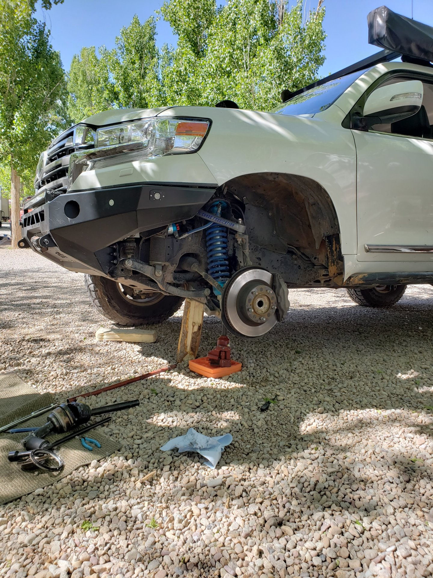 axle pulled out.jpg