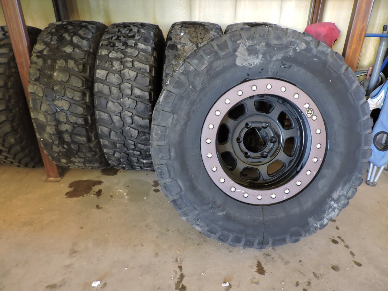 """Used Mud Tires For Sale >> For Sale - 5 17"""" Beadlock wheels with 35"""" BFG KM2 (rollers ..."""
