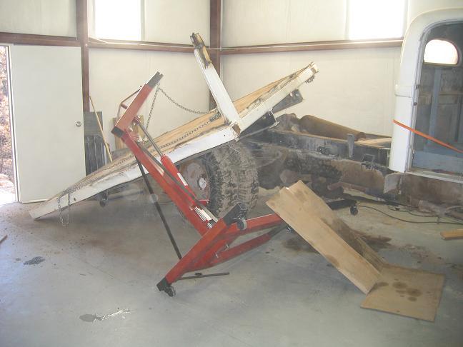 Show me pics of your engine hoist rigging | IH8MUD Forum