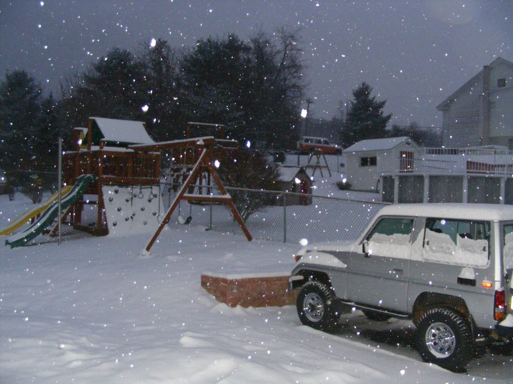 BJ70 and 55 in brockton snow.jpg