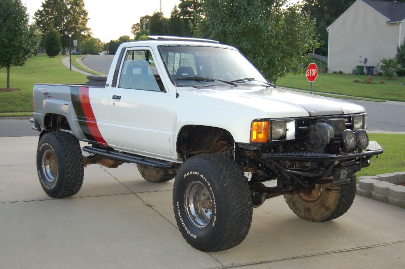 Trade 1985 Toyota Pickup 98 1 35s Winch In Nc