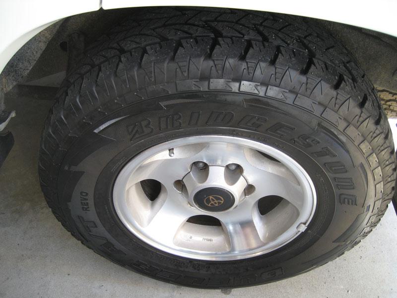 Bridgestone Revo 275's 011 DSR copy.jpg