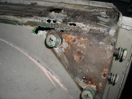 cab rusty corner2-small.jpg