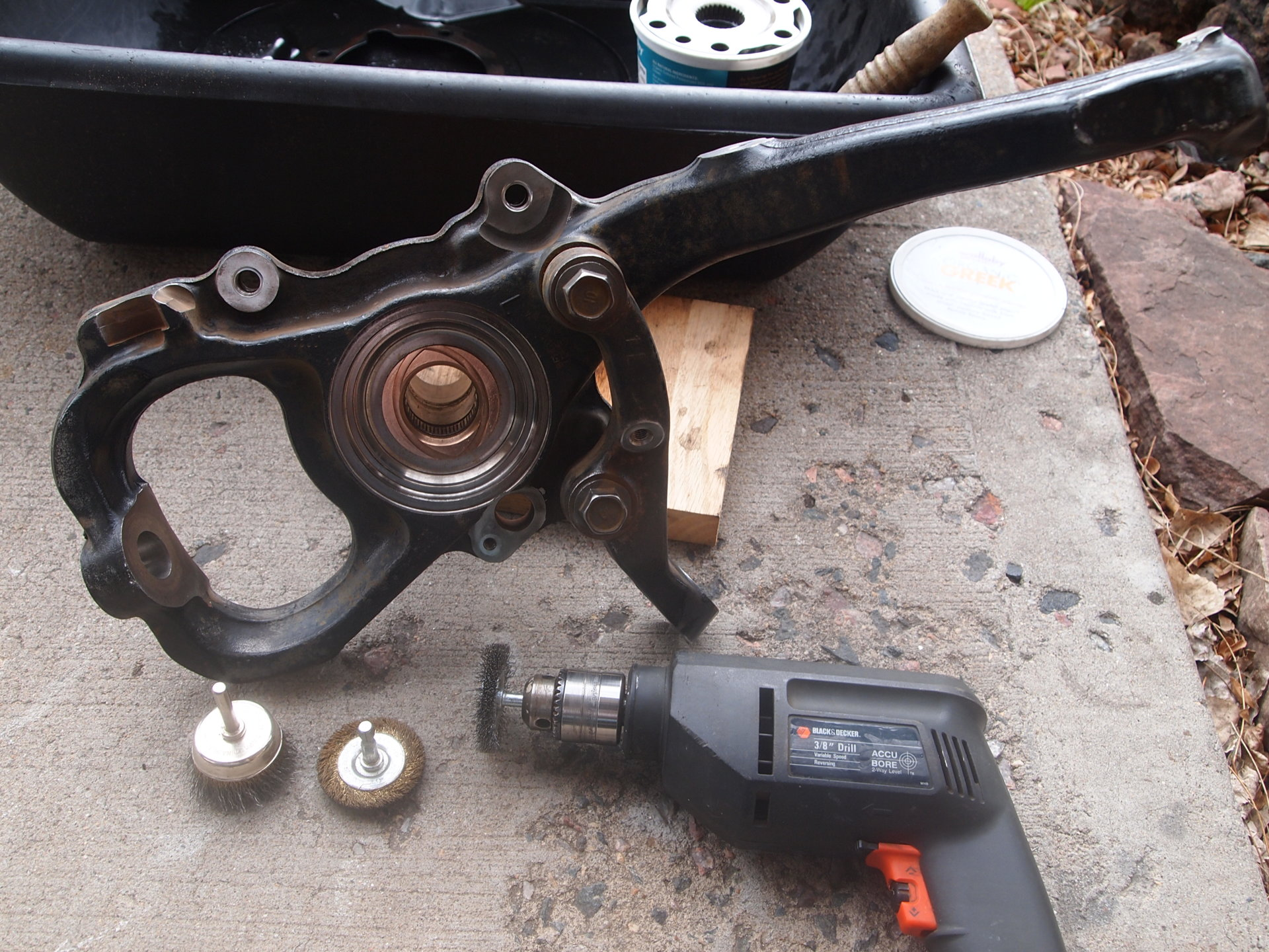 DS Axle hub, wheel bearing and knuckle Final cleaning 030.JPG