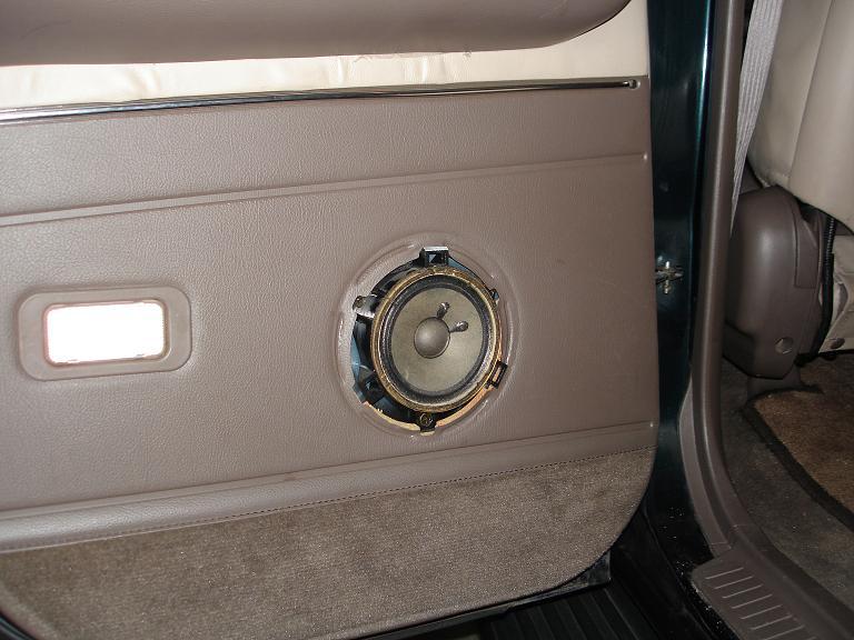 DSC01911 small.jpg DSC01912 small.jpg ... & Rear Door Speaker Upgrade | IH8MUD Forum