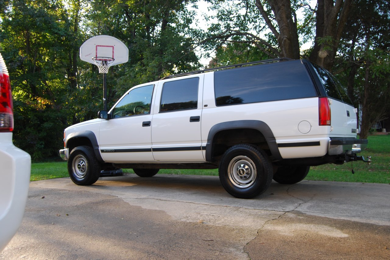 for sale 1999 chevrolet suburban 2500 4x4 lt 7 4 low miles ih8mud forum. Black Bedroom Furniture Sets. Home Design Ideas