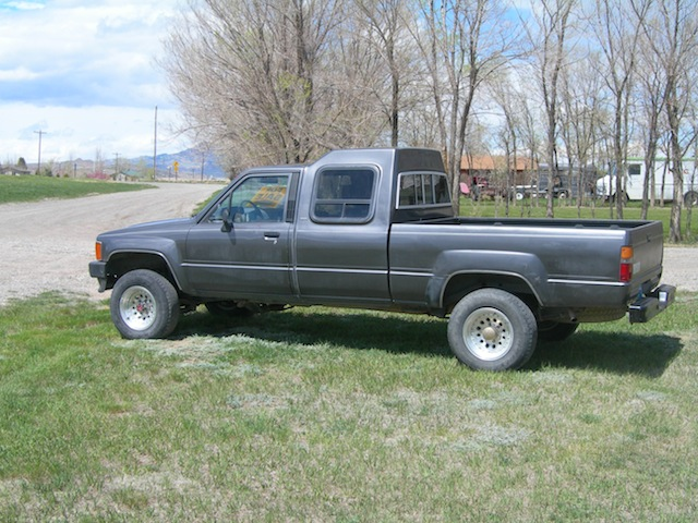 for sale 1987 toyota 4x4 39 custom cab 39 northern wyoming ih8mud forum. Black Bedroom Furniture Sets. Home Design Ideas