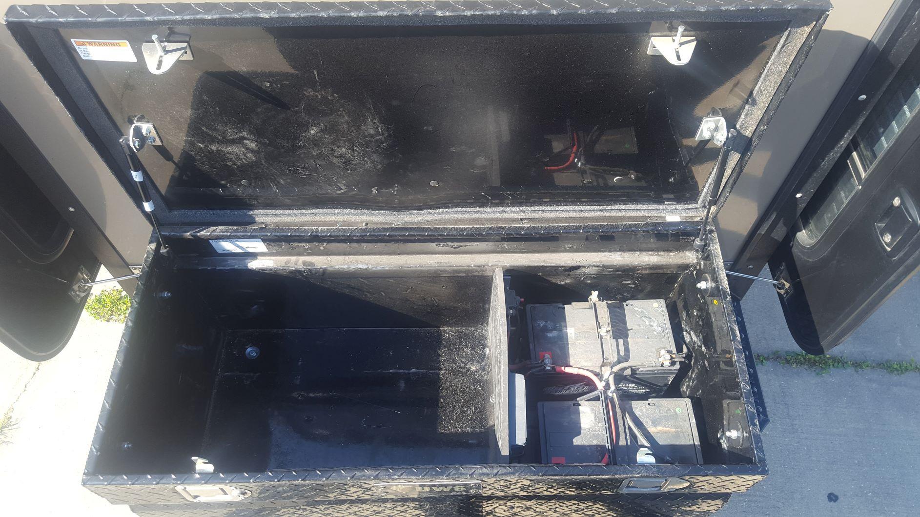 F_Toolbox batteries.jpg