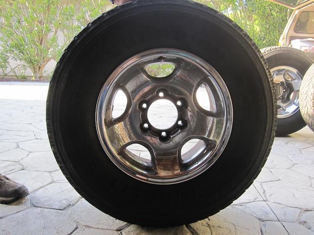 FJ-80 tires 6.jpg