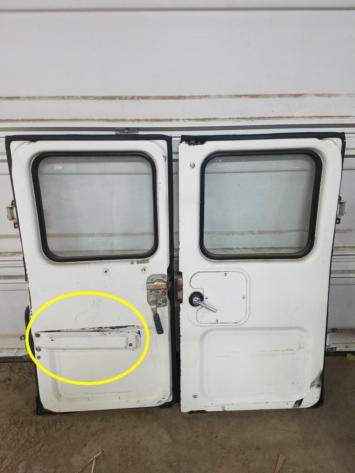 FJ40 1983 Ambulance Door Wire Cover.jpg
