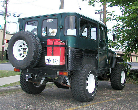 FJ40 at Billy's-March 2005.jpg