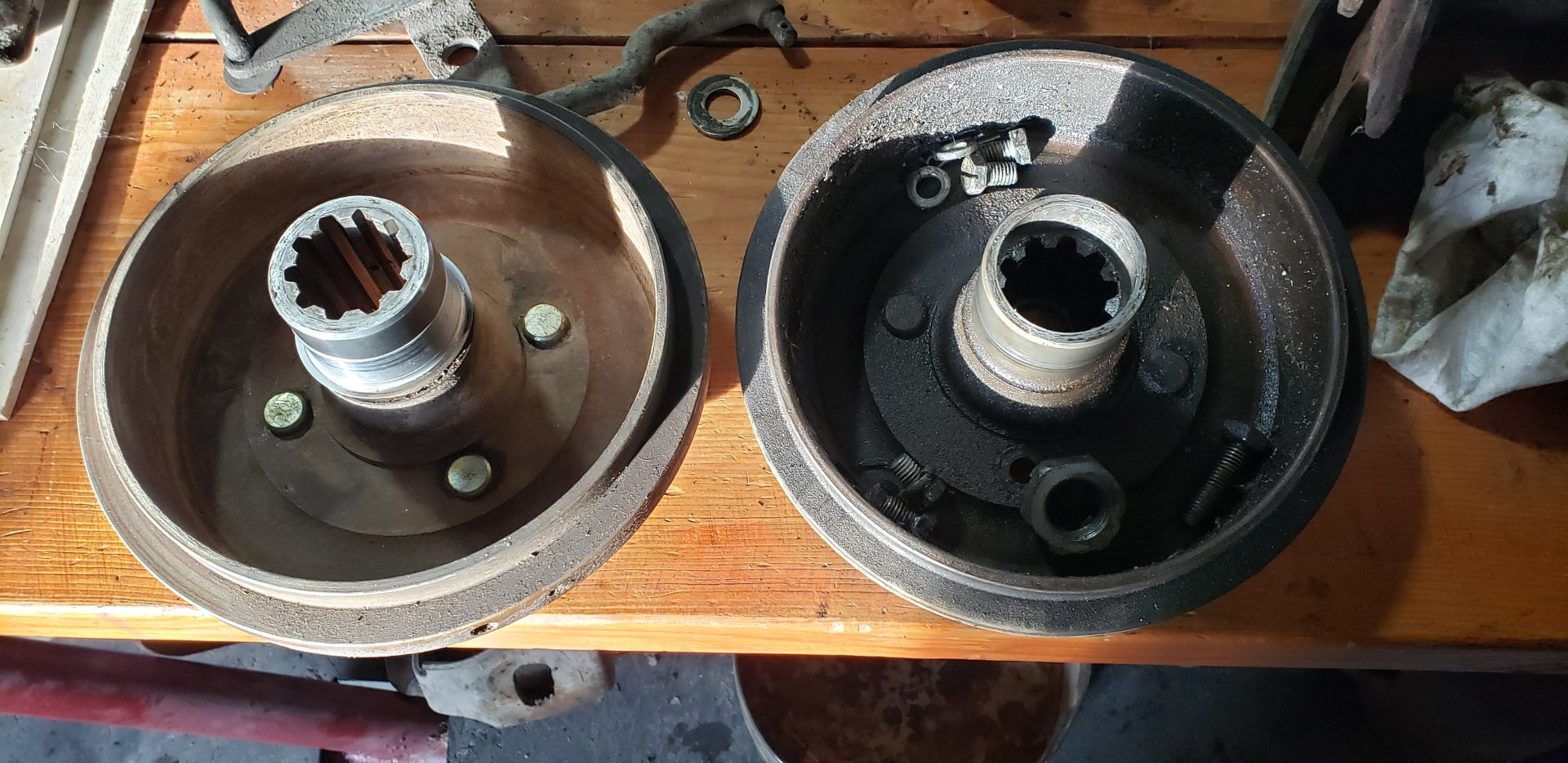 fj40 parking brake drum.jpg
