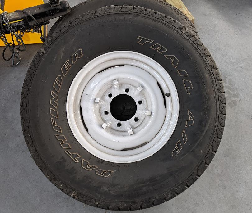 Fj40_tire_31-10.5-r15LT.png