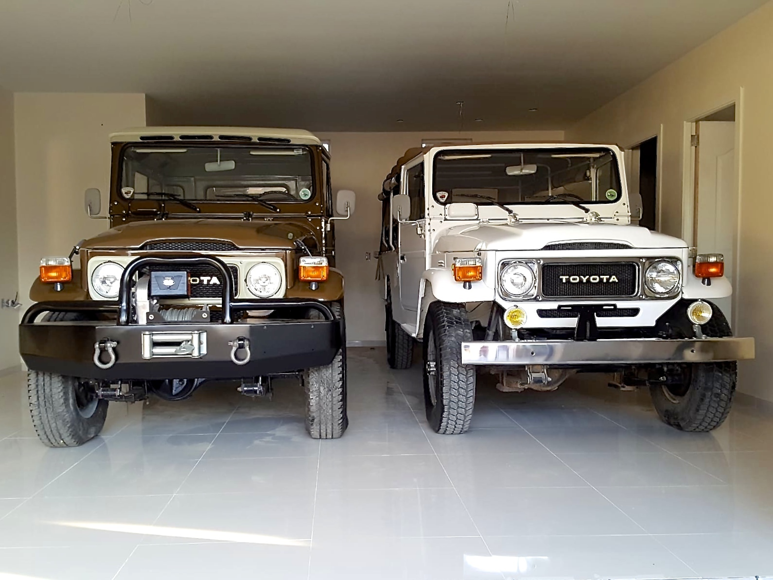 FJ43 and FJ45-01 together.jpg