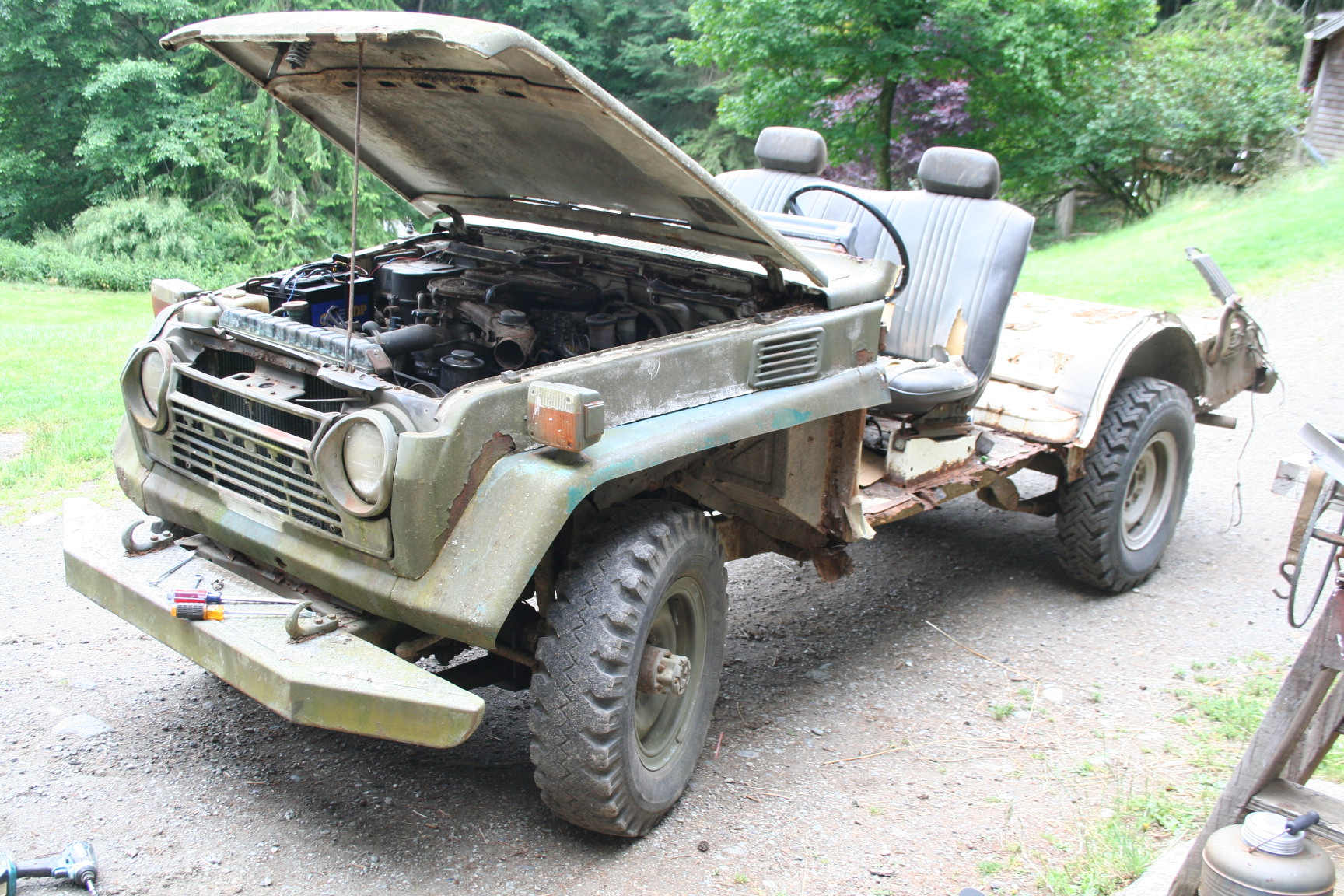FJ55 half stripped.JPG