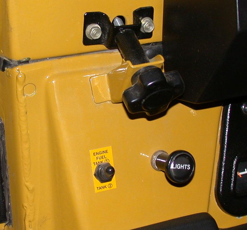 Fuel Selector Switch 02.jpg