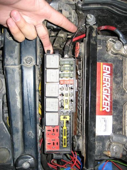 tech how to install an auxiliary fuse box for less than $20  at readyjetset.co