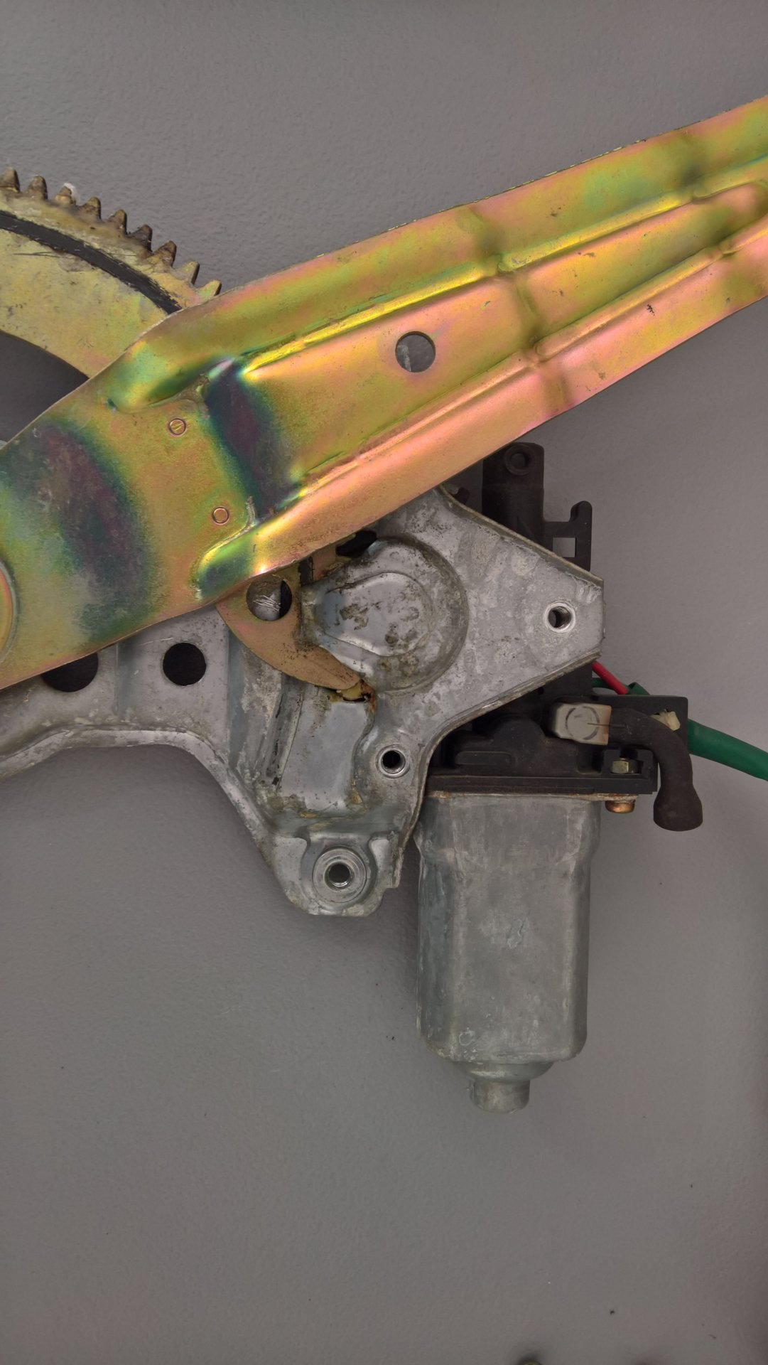 FZJ80 Rear window lift motor and regulator stuck closed.jpg