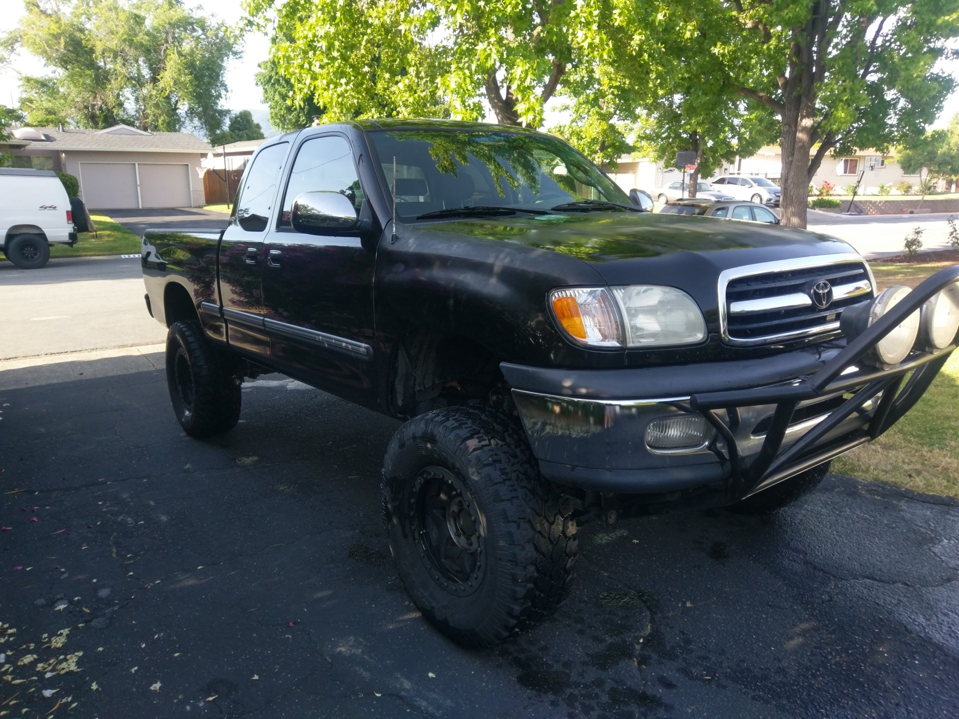 For Sale 2001 Tundra SR5 lifted 4x4