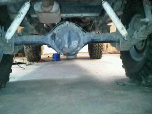IMG00062-20110501-1150 centerd rear ubolt flip.jpg