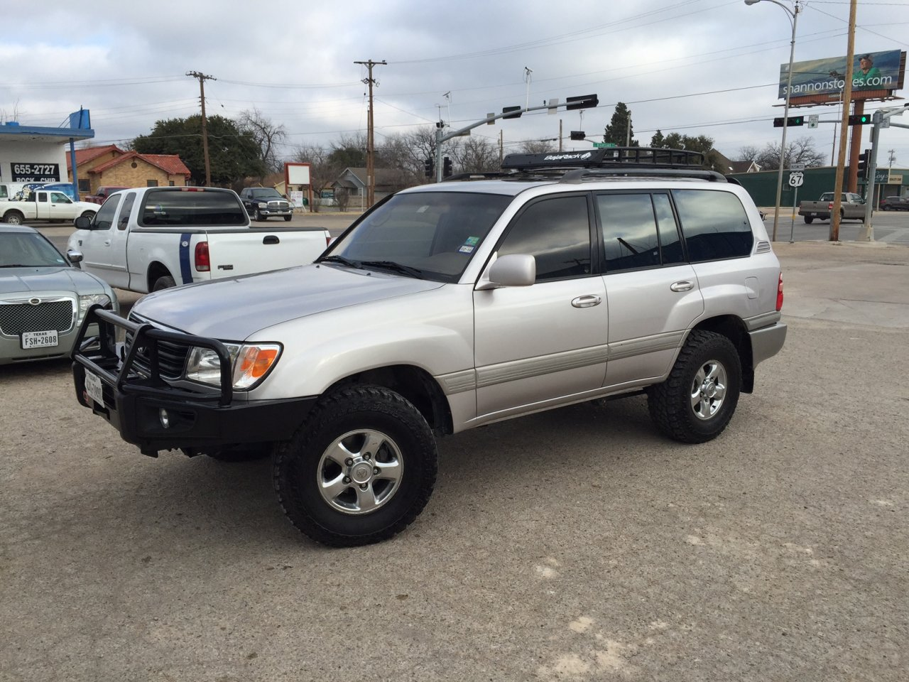 For sale 2001 toyota landcruiser 200 800 miles 11 500 new timing belt and water pump at 178 000 miles cold air conditioning rear heating and air