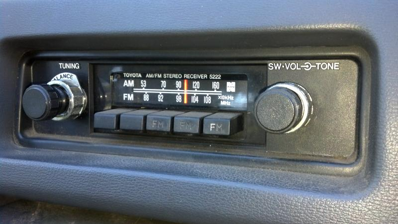 for sale oem stock fj60 am fm radio ih8mud forum. Black Bedroom Furniture Sets. Home Design Ideas