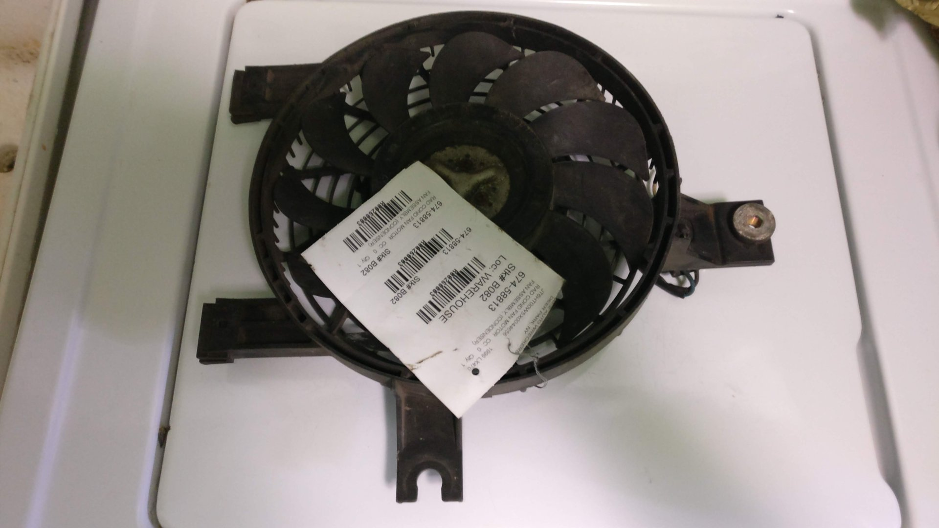 Derale 16746 H.O Radiator Fan Premium Mounting Kit
