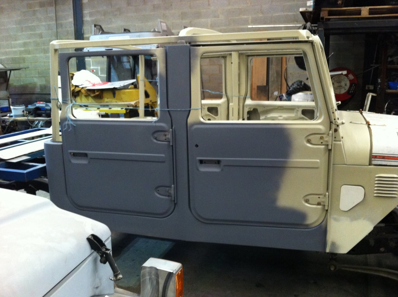 Quad Cab 4 Door Coil Sprung Shortened Troopy Extended
