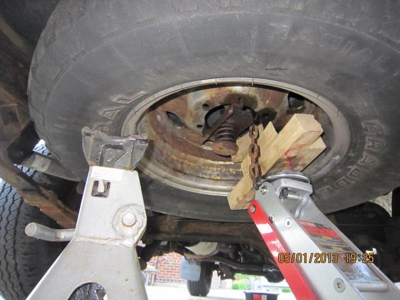 FJ62 Seized Spare Tire Removal | IH8MUD Forum