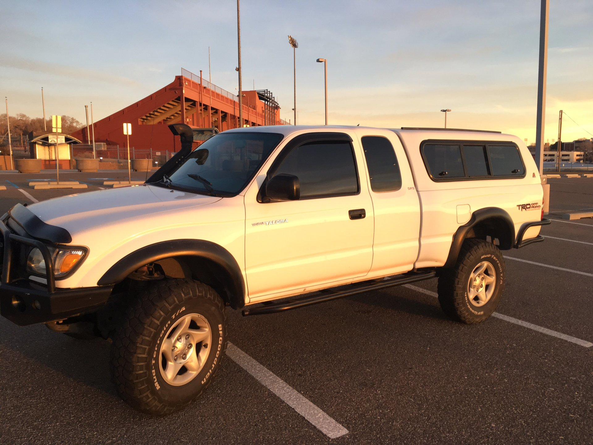 I am a new member of ih8mud i have a nice well maintained 2001 toyota tacoma xtra cab sr5 4x4 trd with lots of extras for sale