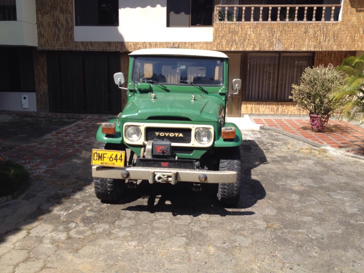 For Sale - 1983 FJ40 Metal Hard Top $27,500 (in Colombia