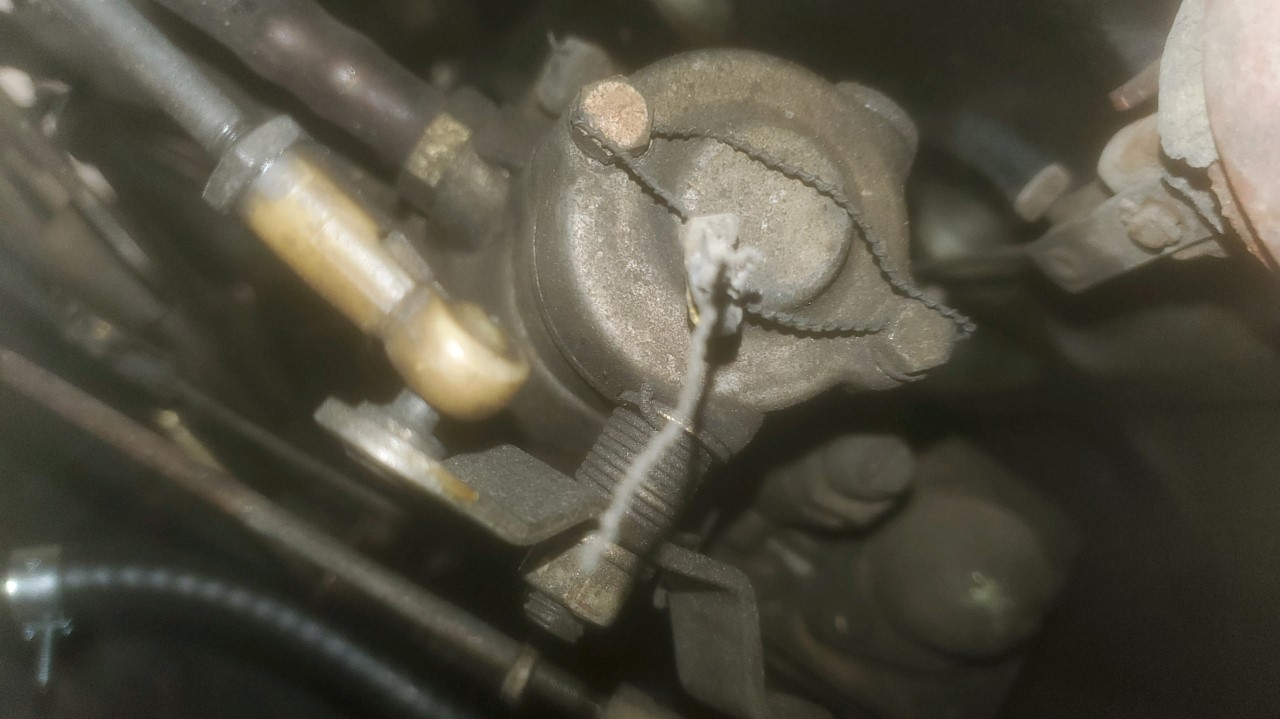 injection pump - another view.jpg